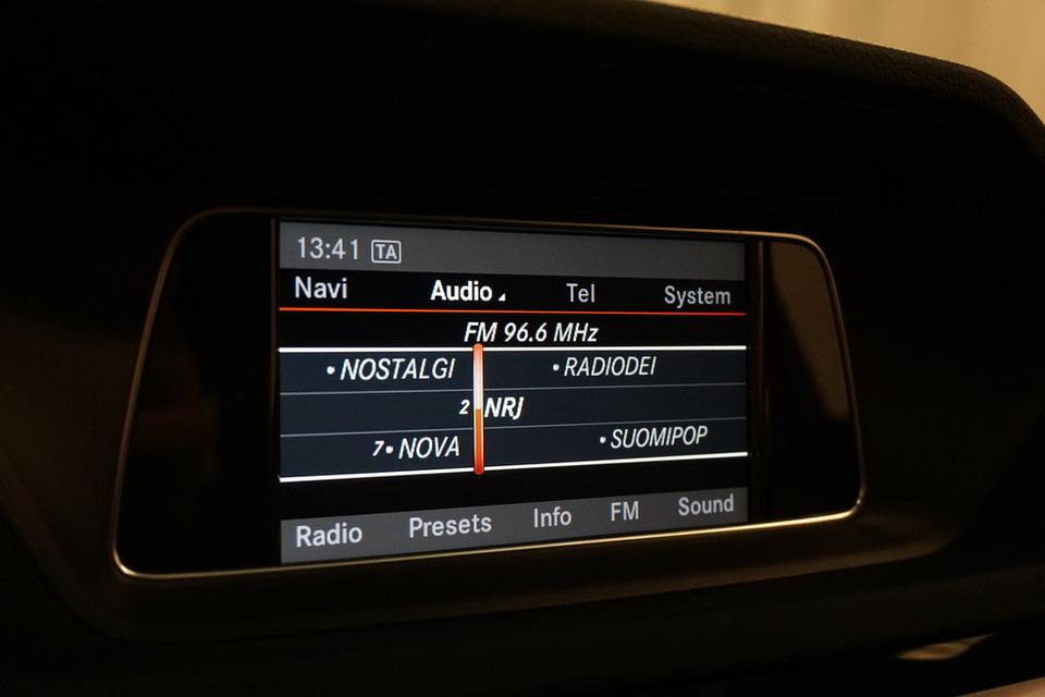 MERCEDES-BENZ E   140tkm   saka.fi   Kuva 18