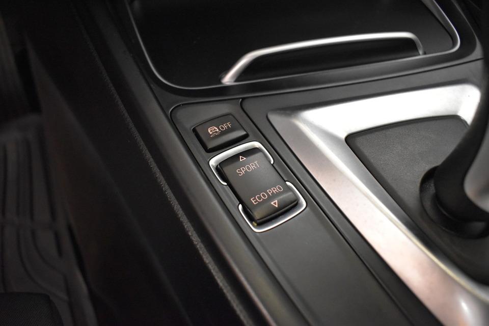 BMW 330 | 86tkm | saka.fi | Kuva 14