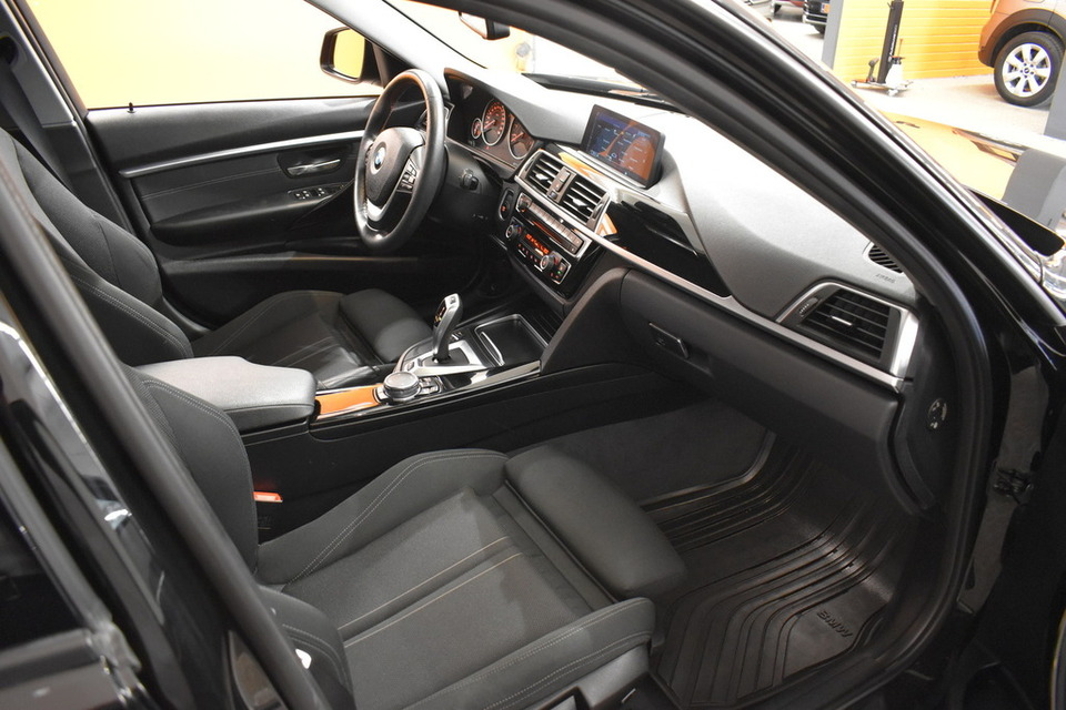 BMW 330 | 86tkm | saka.fi | Kuva 8